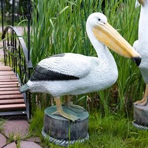 Фигура пеликана