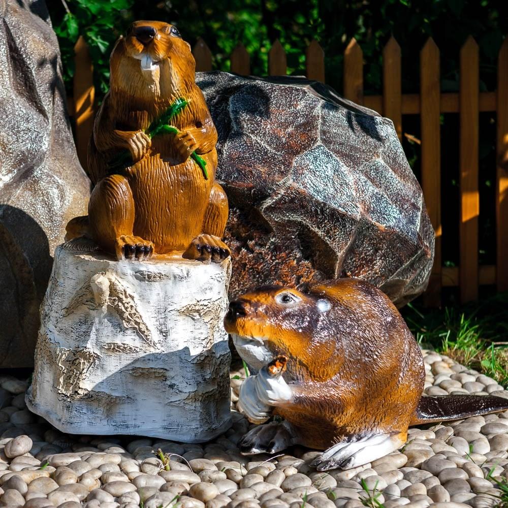 Декоративная фигура Бобер на пне - фото 37269