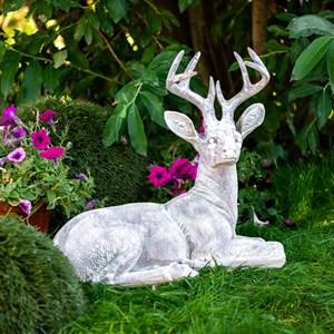 Садовая фигура Олень